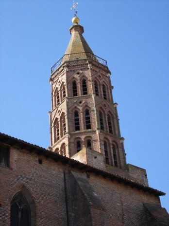 Eglise Saint-Jacques, victim of the siege of Montauban 3 centuries earlier. The impact of missiles is still visible on the masonry