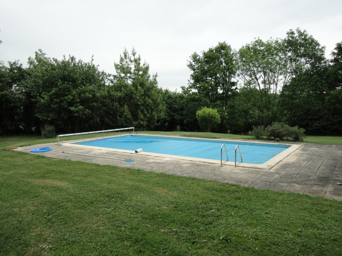 Ten Reasons Not To Have A Swimming Pool Life On La Lune