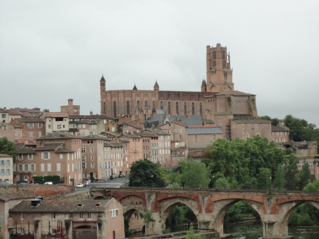 Albi - Cathedral dominates
