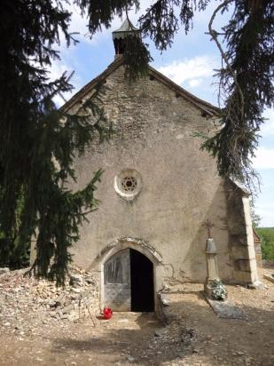 Teysserolles chapel front