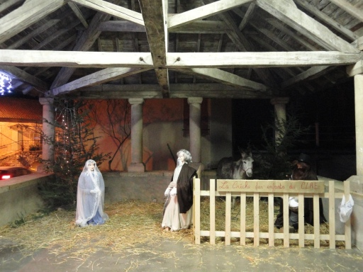 Living crèche under the halle