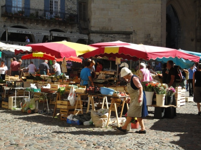 Villefranche market - market stalls
