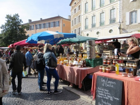 Cahors Wednesday market