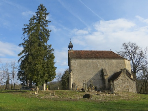 Chapelle de Teysseroles, dwarfed by the trees
