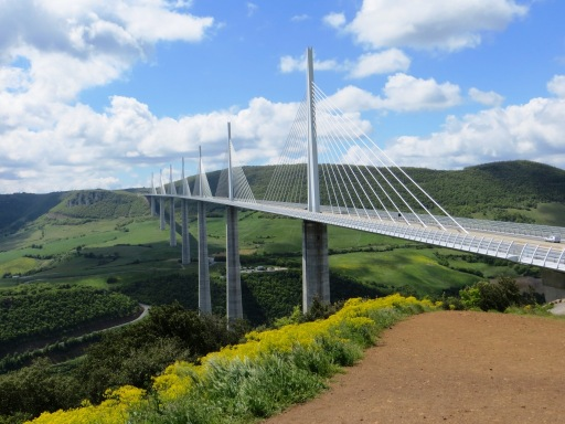 Millau Bridge from the services' viewpoint