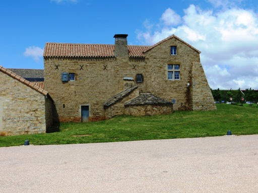 Former farmhouse in the bridge service area