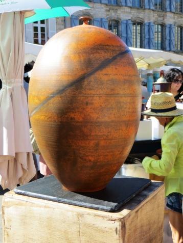 Even larger decorative pot