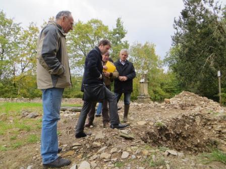 Inspecting the remains of the de La Vallette chapel