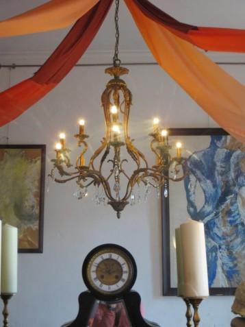 Chez Oscar - chandelier
