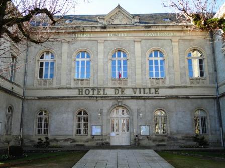 Hôtel de Ville - Town Hall