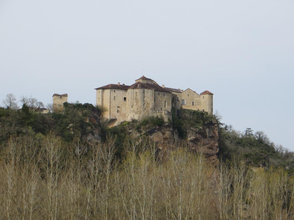 Twin châteaux of Bruniquel