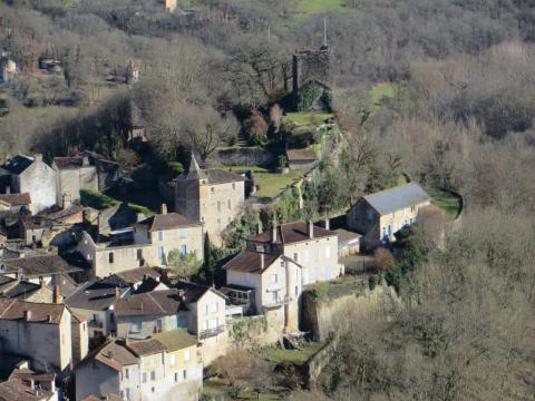 The village of Caylus below its château