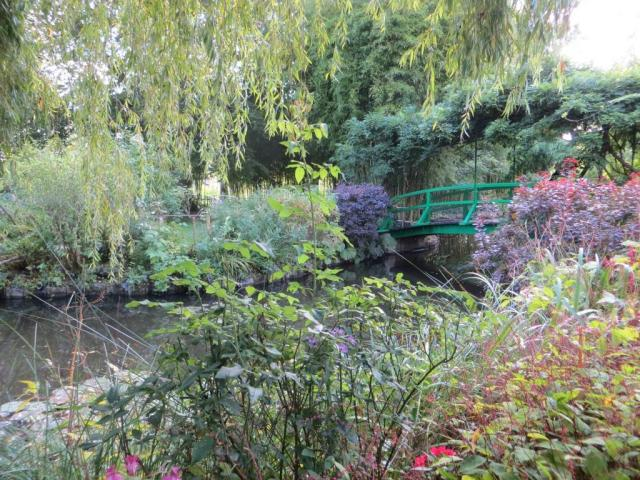 Lily pond with the famous bridge