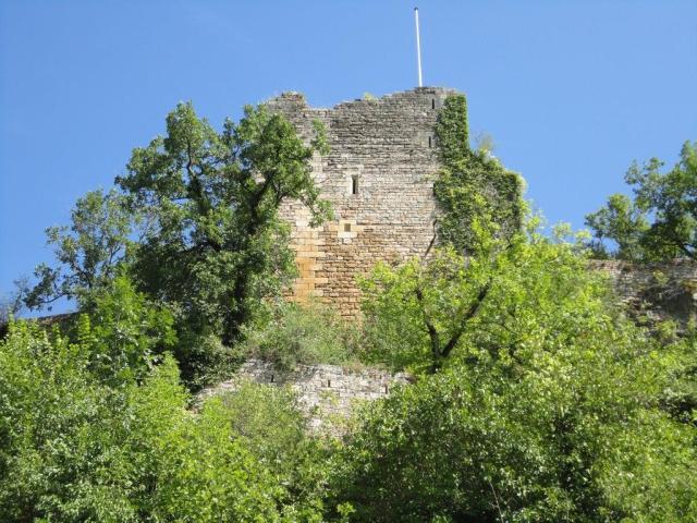 What's left of the Château de Caylus