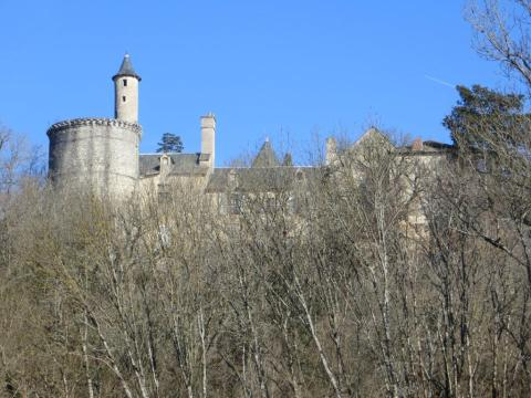 The château from below, dominating the village