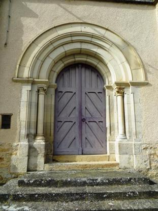 Door of the church at Félines