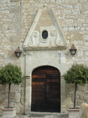 Renaissance doorway at Château de Mayragues