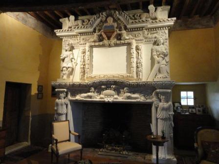 Renaissance fireplace at Château de Mayragues