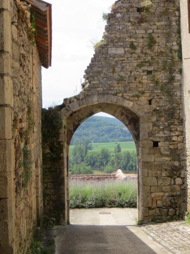 Archway looking west towards Cénevières