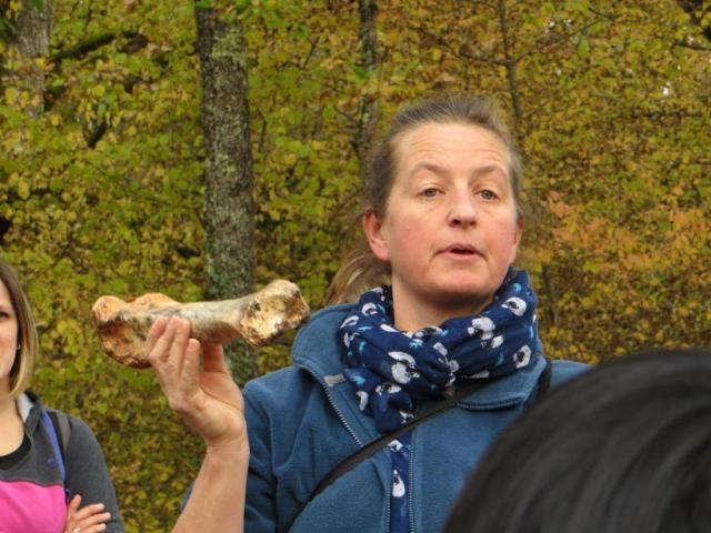 Phosphatiere - our guide brandishing a fossil