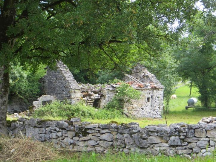 Caylus - ruined house de G
