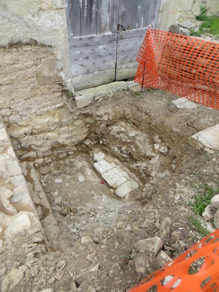 Fondations de l'ancien église - peut-être