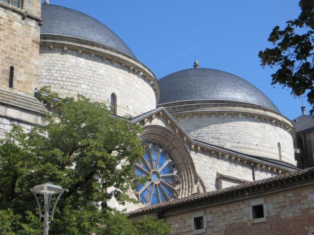 Cahors - cathedral domes