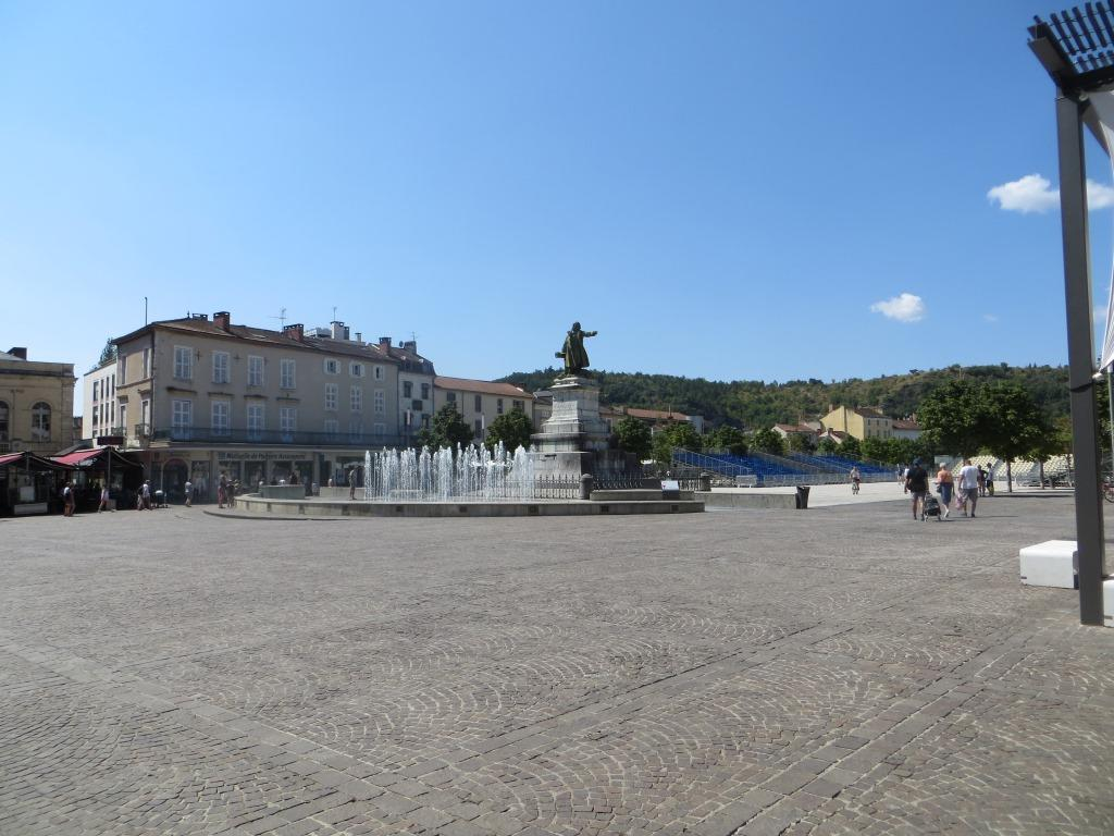 Cahors - Place Mitterrand