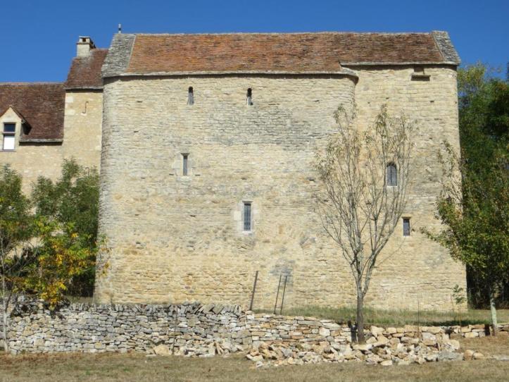 Toulongergues - side view 2