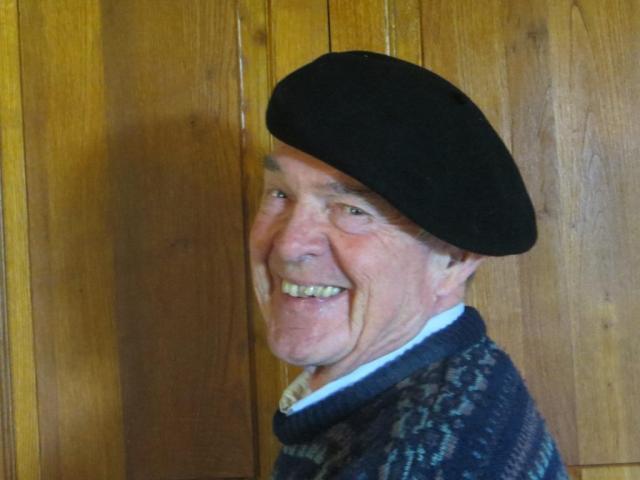 Per wearing beret 2